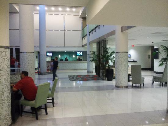 Sheraton Miami Airport Hotel & Executive Meeting Center: Main lobby area