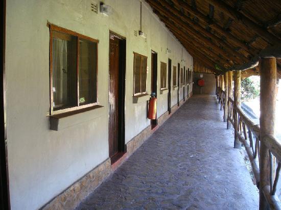 Ngolide Lodge: outside the room