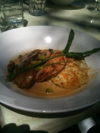 The Quarry Restaurant: breast of chicken with hazelnut and mushroom sauce