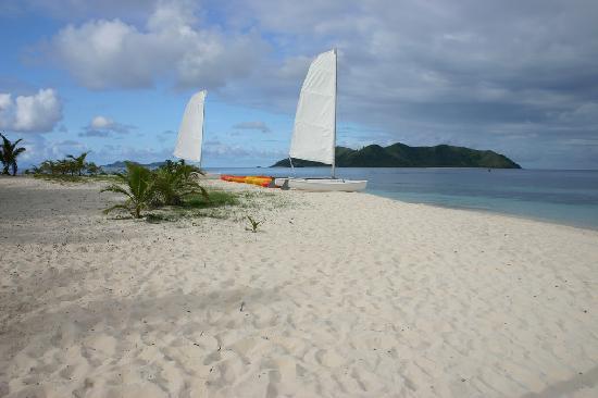 Matamanoa Island Resort : The resort beach
