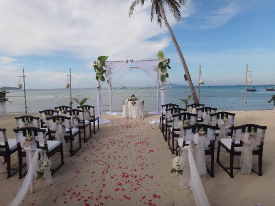 Phi Phi Island Village Beach Resort : ceremony location