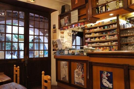 Galerie des Arcades : The bar