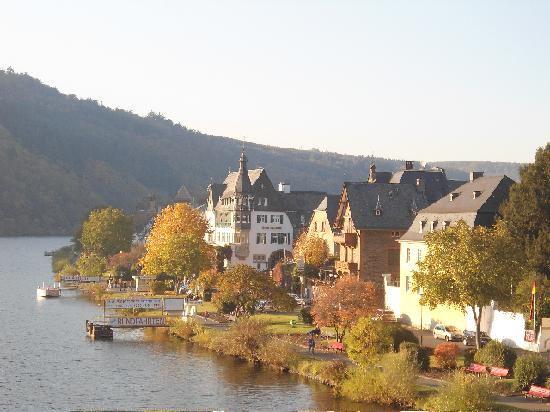 Traben-Trarbach, Germany: Autumn gold ,  23 Oct. 2011