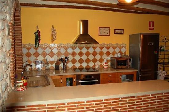 Casa Rural La Cirera: Cocina