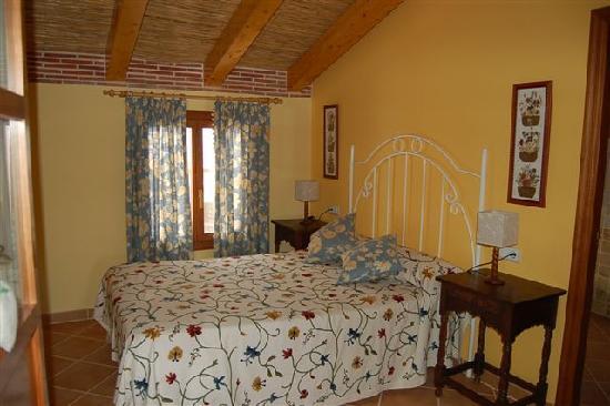 Casa Rural La Cirera : Habitación matrimonial