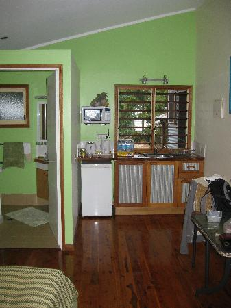 Clifton Beach Retreat: Kitchen