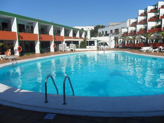 La Florida Apartments : The pool area