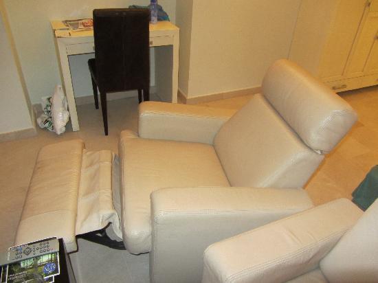 Hotel Puerto Juan Montiel, SPA & Base Nautica: asientos reclinables.