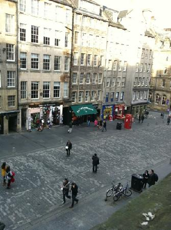Advocates Apartments Royal Mile: view down Royal Mile from apartments
