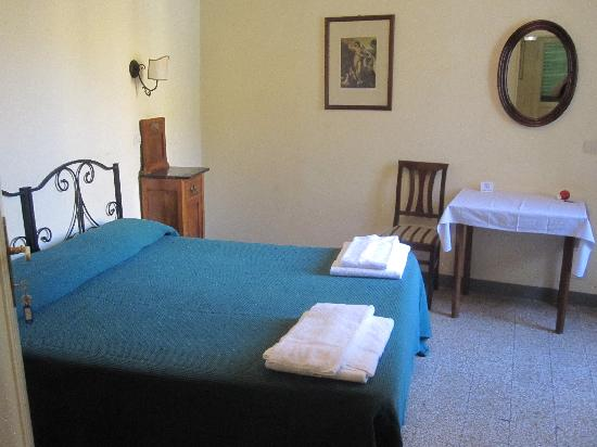 Hotel Scoti: Enkla trivsamma rum, här nr 6