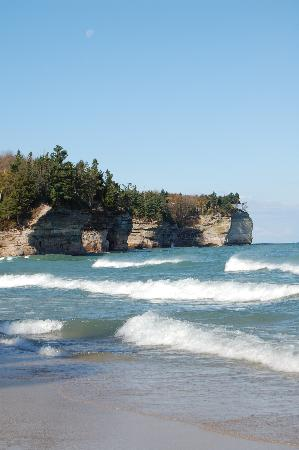 Pictured Rocks National Lakeshore: Chapel Beach