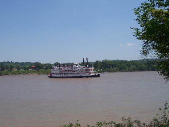 Little Farm on the River: BB Riverboat