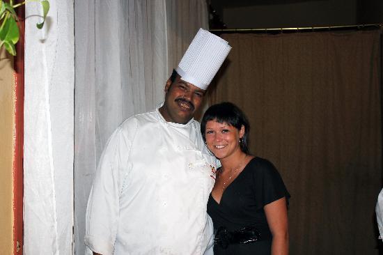 Triton Empire Beach Resort: Шеф-повар! :) напоминает шефа из Южного Парка :)