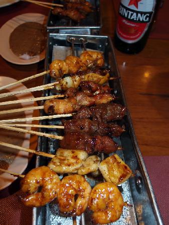 Raja Sate Restaurant Manado : mixed sate