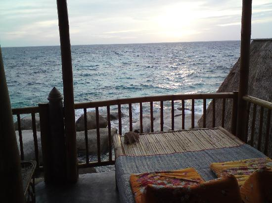 Koh Tao Bamboo Huts: Balkon mit Aussicht