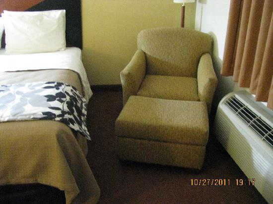 Sleep Inn & Suites Chambersburg: Comfy Chair