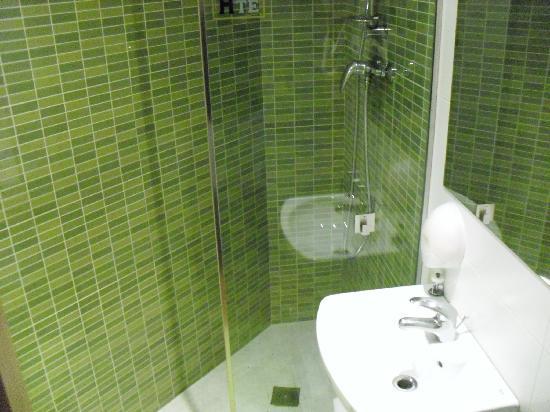 Hostemplo Sagrada Familia: lavabo