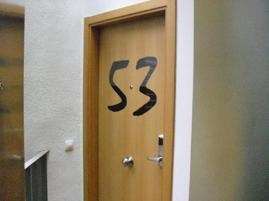 Hostemplo Sagrada Familia: ntrada al apartamento 53