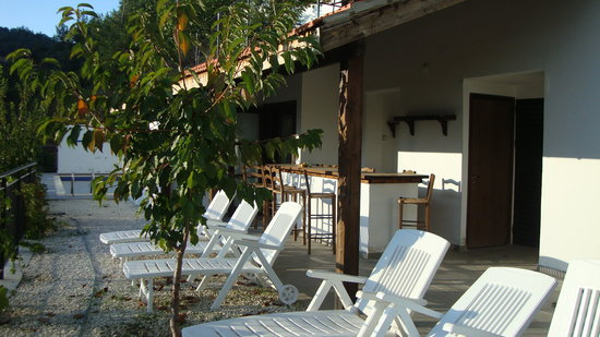Ambelikos AgroHotel: The Garden bar and pool area