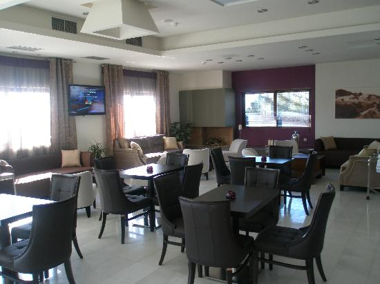 Arty Grand Hotel: lobby