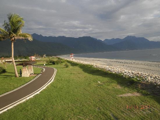 Chishingtan Scenic Area : Chishingtan beach hualien 5