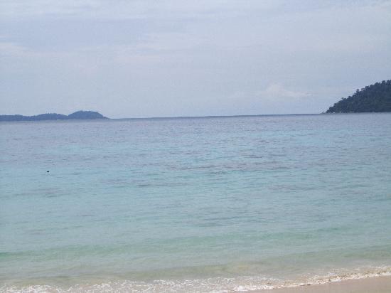 Babura Seaview: Från stranden precis utanför hotellet
