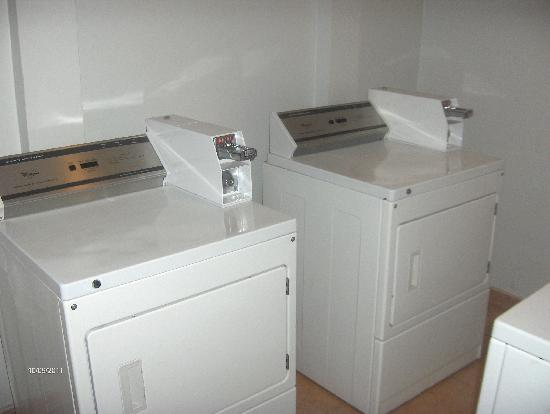 Country Inn & Suites by Radisson, Panama City, Panama: Laundry facilities