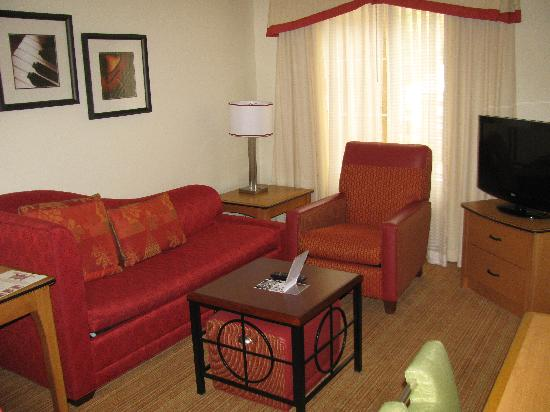 Residence Inn San Diego Mission Valley : Living Area