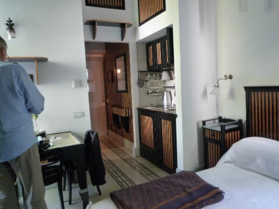 Villa Laetitia: Blick auf Küche und Vorraum