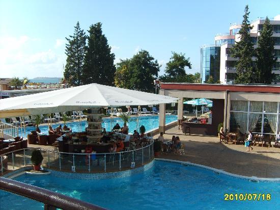 MPM Hotel Astoria: вид на бассейн с номера