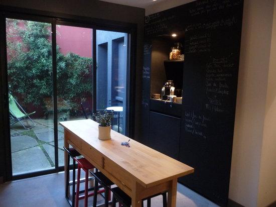 2bis : Communal breakfast room
