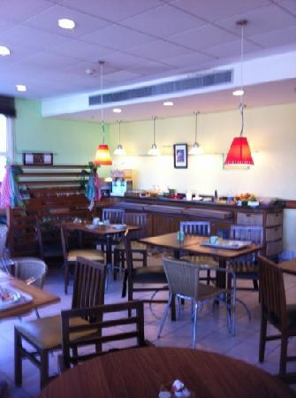 Ibis Indaiatuba Viracopos Hotel: café da manhã