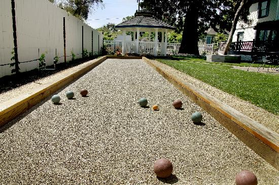 Arbor Guest House: Bocce Ball