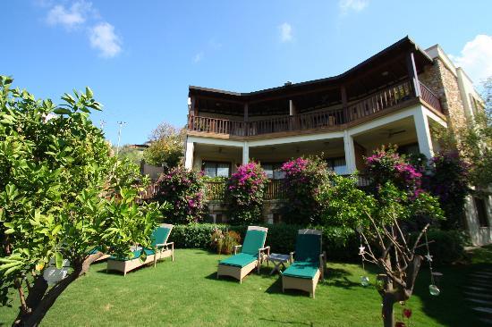 Sandima 37 Hotel Bodrum: garden and suites