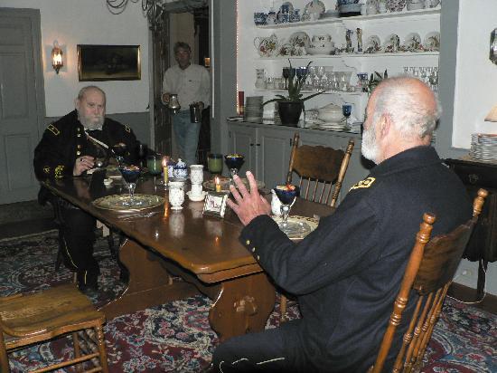 General Rufus Putnam House: Early morning breakfast