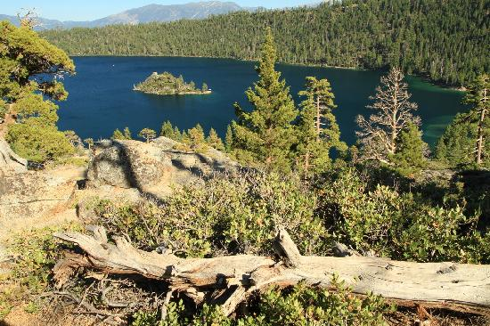 Shooting Star Bed and Breakfast: Fanette Island, Emerald Bay