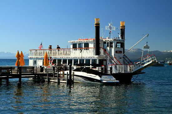 Shooting Star Bed and Breakfast: Boat at Tahoe City