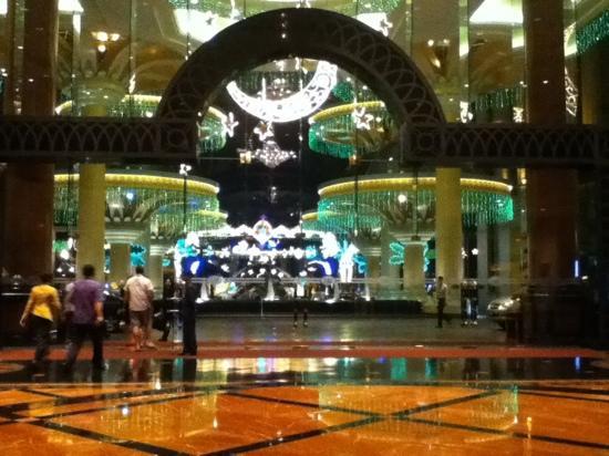 Sunway Resort Hotel & Spa: deepavali decors
