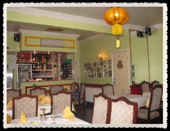 Yumi yumi chinese restaurant takeaway farnborough for C kitchen chinese takeaway restaurant