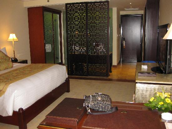 Indochine Palace: Room 404