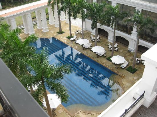 Indochine Palace: View to pool from room 404