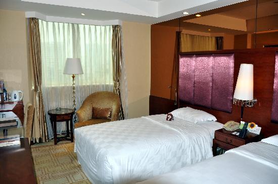 โรงแรมเทียนฟู่ ซันไชน์: unser Zimmer