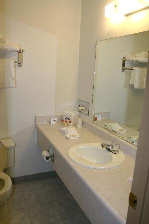 Days Inn Rawlins: Bathroom