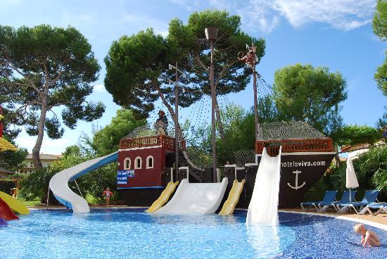 Zafiro Mallorca: Pirate ship pool Viva Mallorca