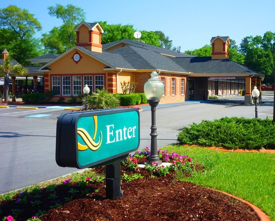Quality Inn & Suites Lexington: Entrance