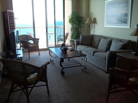 Sunrise Beach Resort: Living room