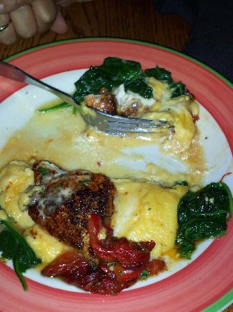 Pewter Mug 41: Blackened redfish and cheese grits