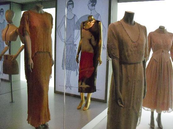 Museum of Textiles and Fashion (Museu Textil i d'Indumentària) : vestido años 20-30