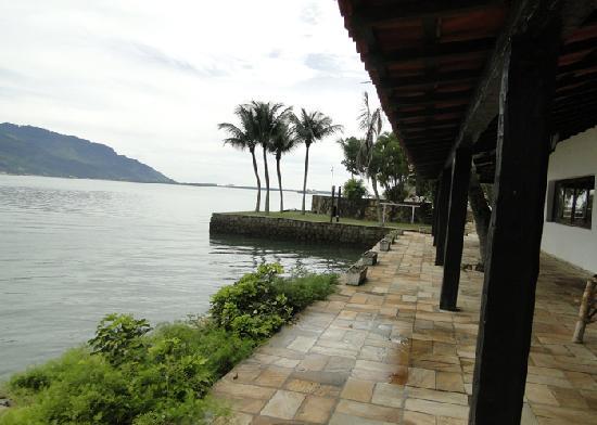 Hotel Pierre Itacuruca : VARANDA DO SALÃO DE JOGOS A ACADEMIA (HOTEL PIERRE)