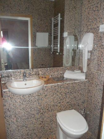 St. Georgio Hotel: bagno